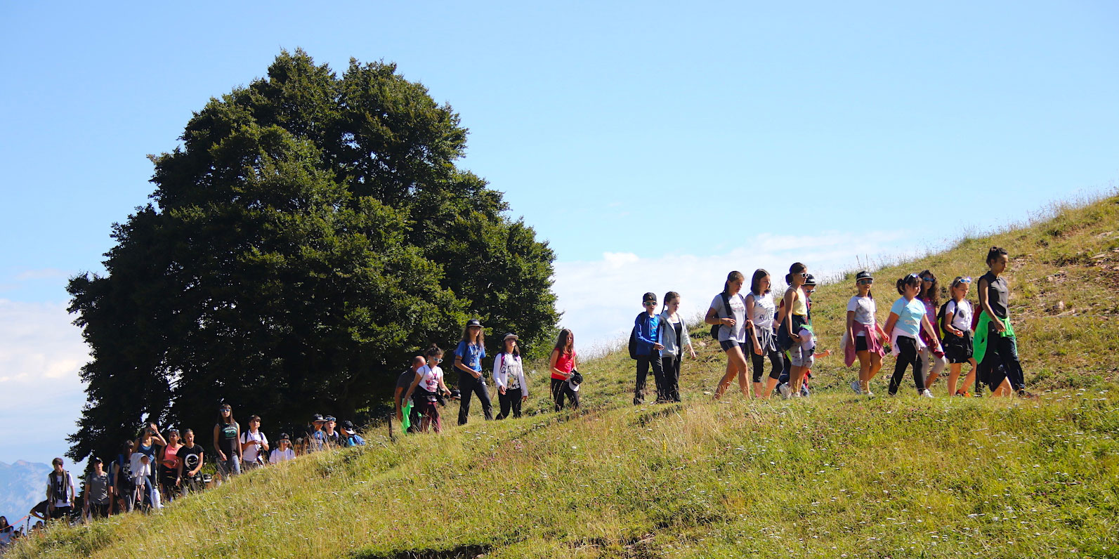 Estate-Inpsieme-2019-escursione-montagna-holiday-system