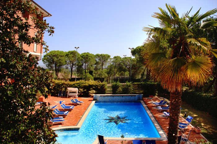 hotel_chianciano_vista piscina_holiday system