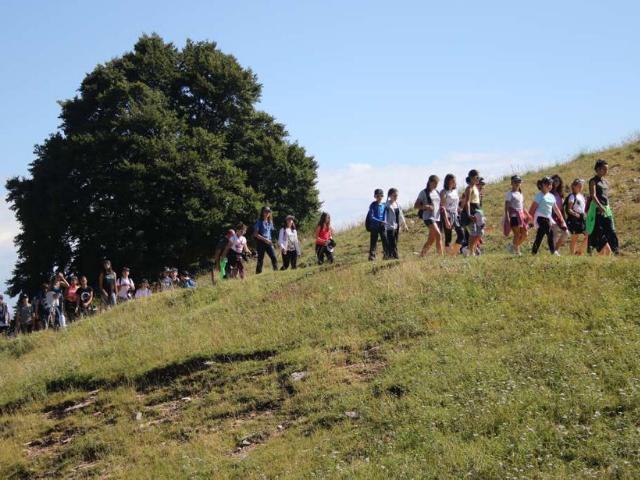 Estate Inpsieme - Inter summer camp in Trentino, gita al Sentiero della Pace